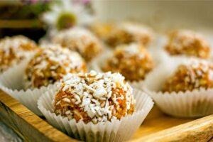 no-bake-carrot-cake-protein-bars-eats-park-city-omad