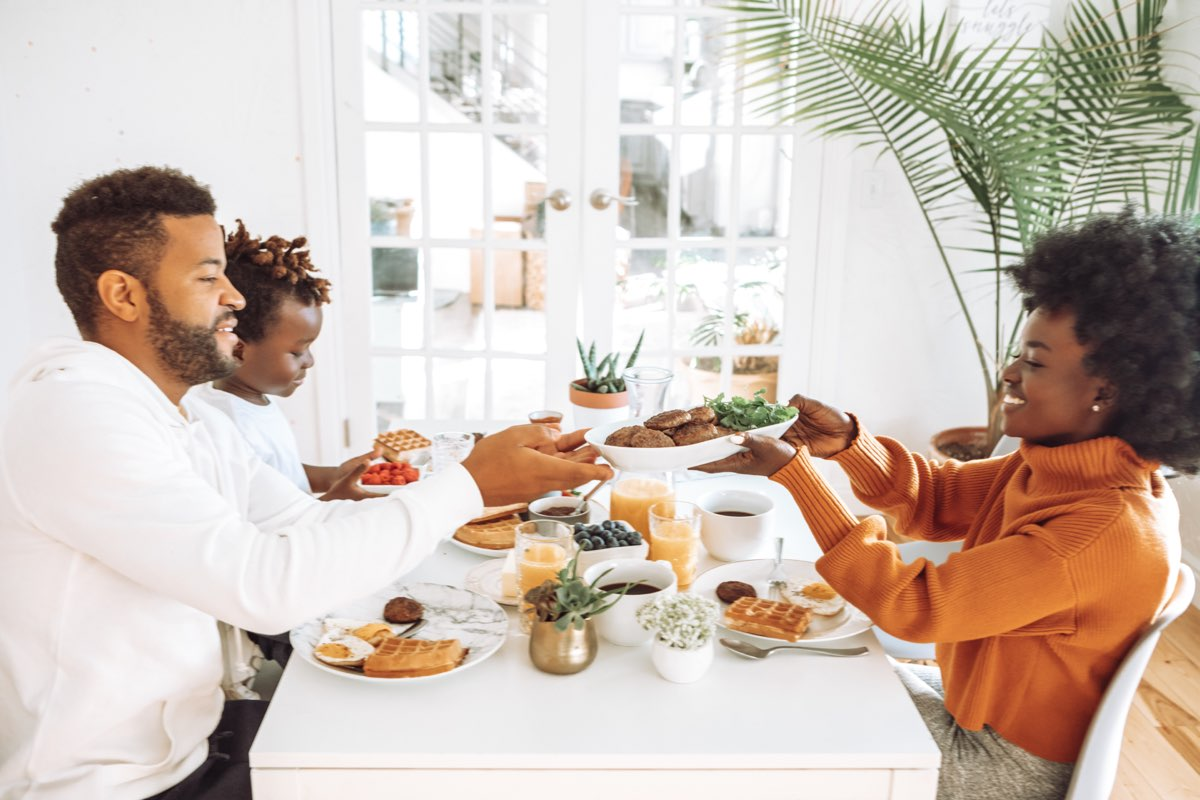 5 Reasons Food Brings Families Together